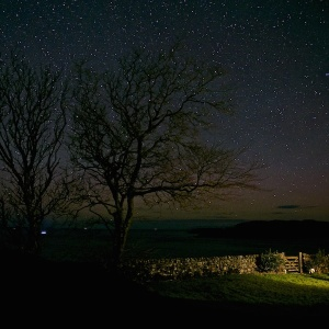 Aurora and stars at Treshnish