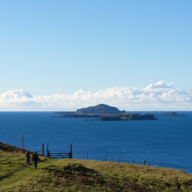 storm-angus-treshnish-mull-cottages-walkers