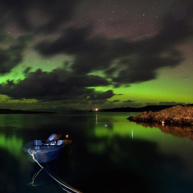 Treshnish cottages Mull Croig aurora boat