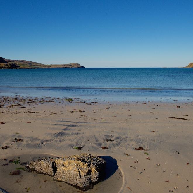 best beaches on mull treshnish cottages blue skies