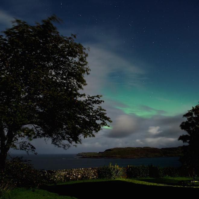 Mull dark skies Treshnish Cottages aurora meteor