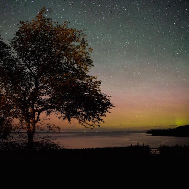 Treshnish Cottages Dark Skies Mull airglow meteor