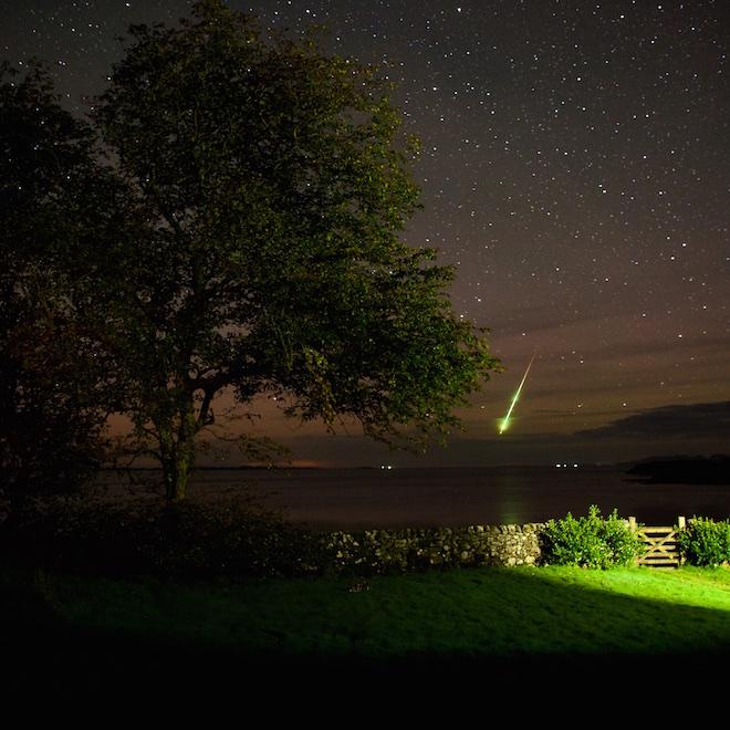 Treshnish Cottages Mull dark skies meteor