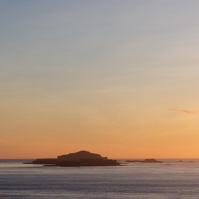 Sea-watching on Mull Treshnish cottages sunset